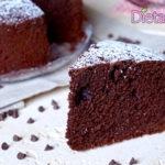 Torta al cioccolato alta e soffice - Ricetta cioccolatosa facile