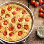 Focaccia barese, la ricetta pugliese della pizza con i pomodorini